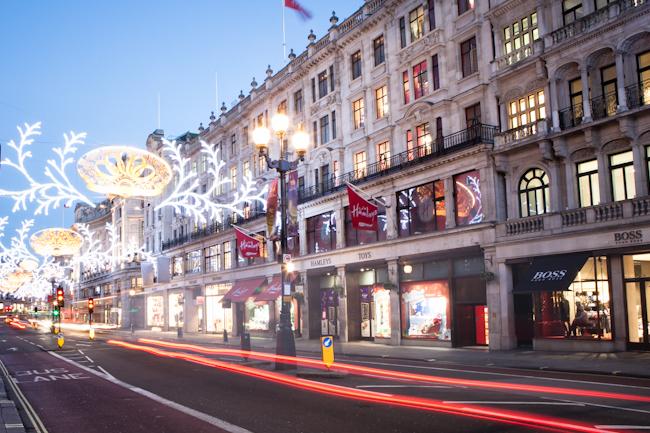 Hamleys-Christmas-2012-002