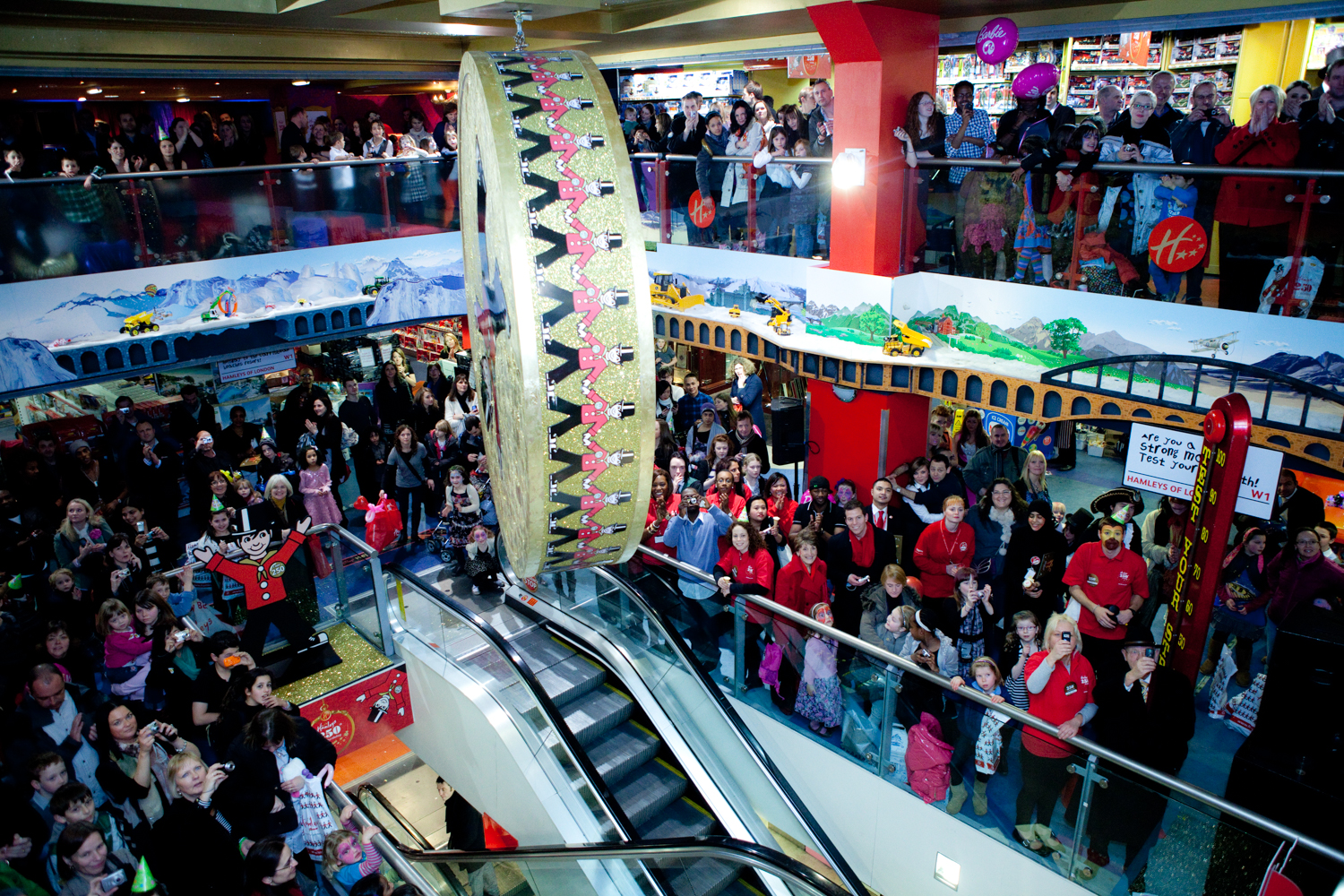 Hamleys-250th-bday-255