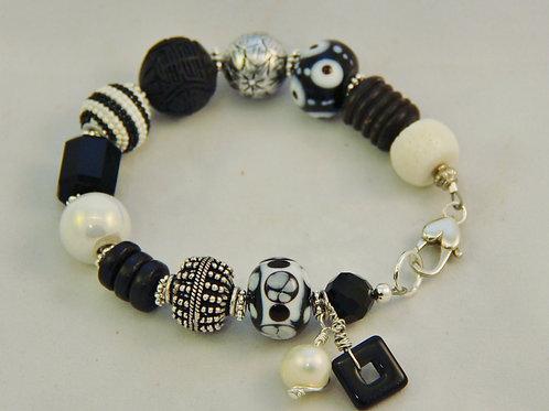 Black & White Pearl Silver Bracelet