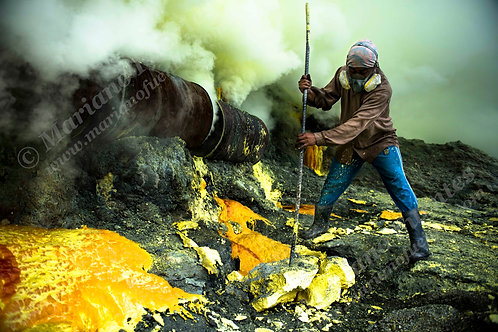 Extraction of sulfur