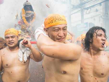 ElTesagan Gin Je: Festival Faquir Chino