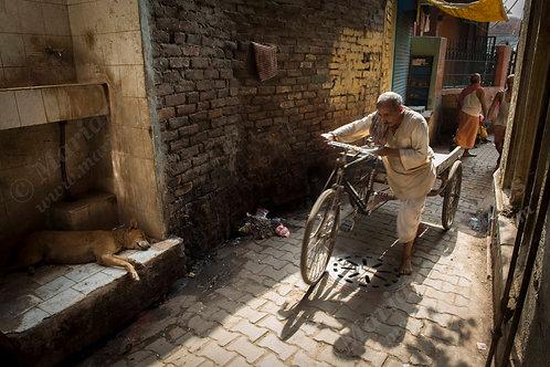 Varanasi alley