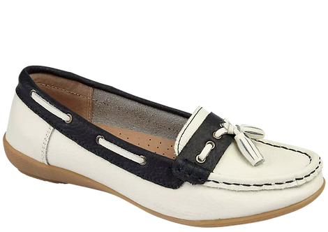 Nassau - Leather Boat Shoe in Navy and White