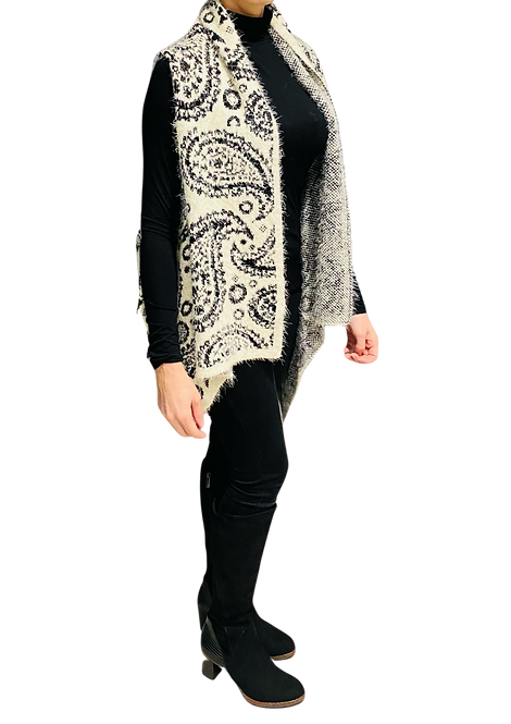 522 - Black and White Paisley Knit Poncho