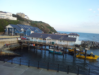 Ventnor haven looking back.jpg