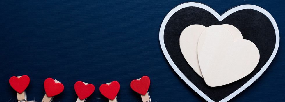Love-hearts-clothespin-blue-background_5
