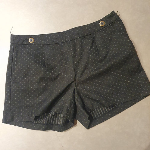 מכנס  שחור עם לבן קצר מידה 40