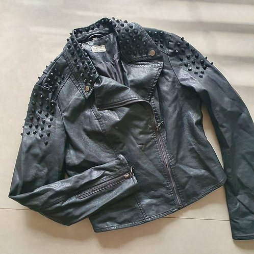 מעיל שחור ניטים מידה s