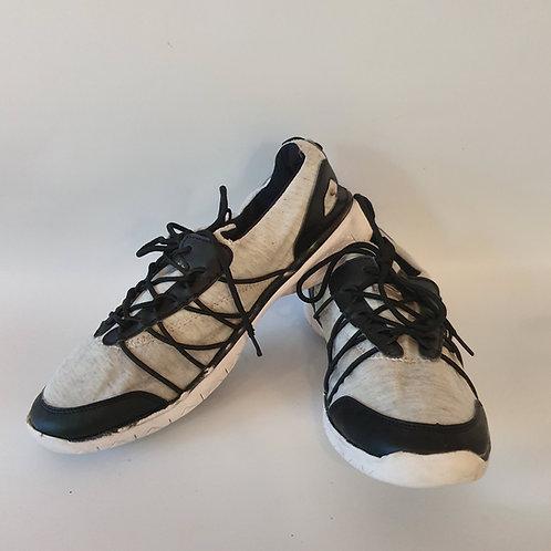 נעלי ספורט קלות מאוד 44