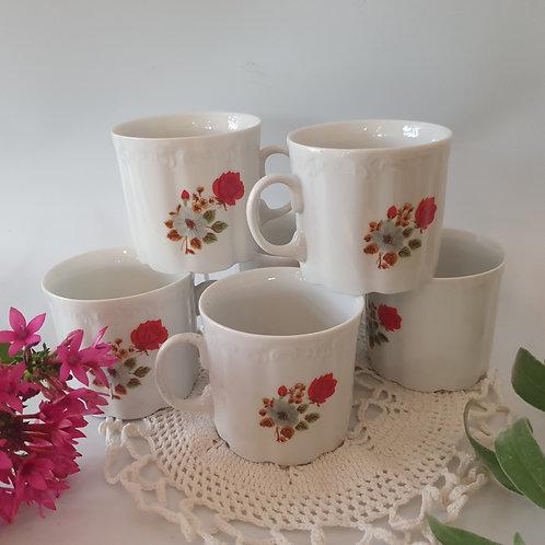 4 כוסות עם עיטור פרח