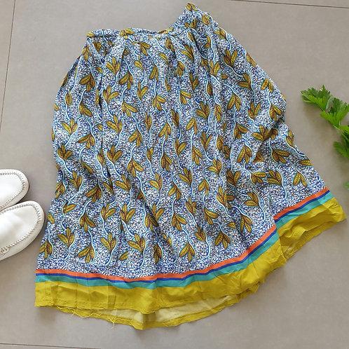 חצאית עם הדפס מיוחד S