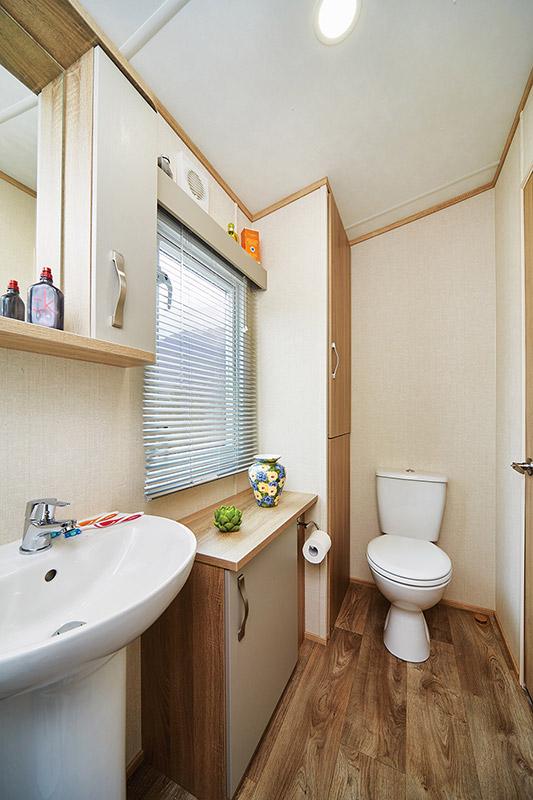 Oakdale Bathroom2