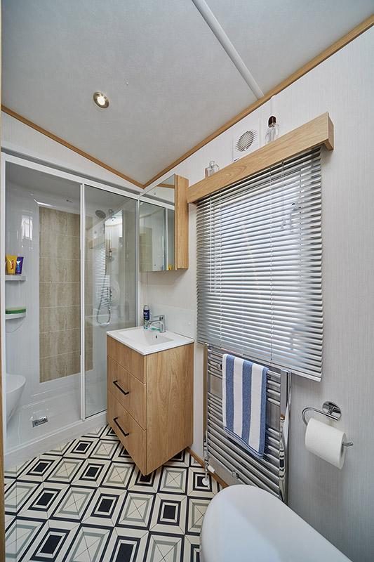 Carnaby Chantry Lodge Bathroom