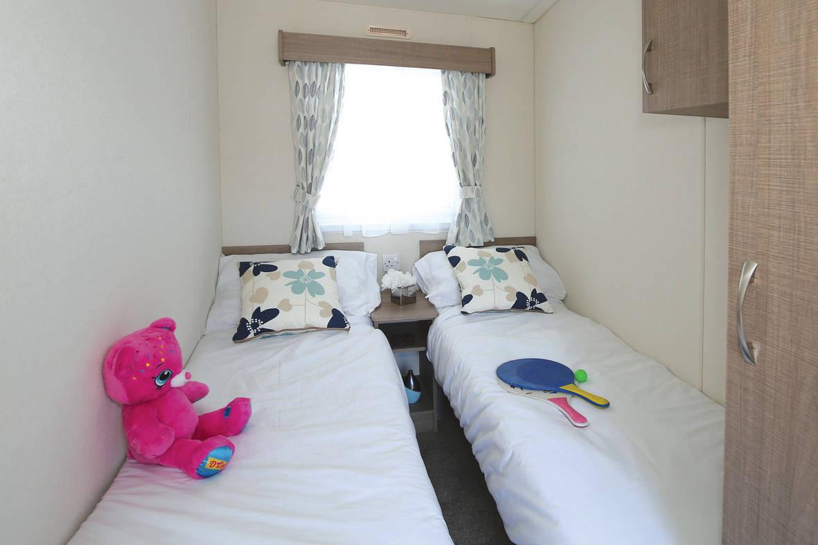 bromley-caravan-twin-1-1181x787