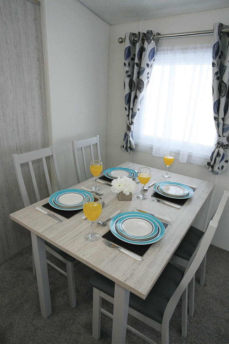 sienna-caravan-dining-787x1181