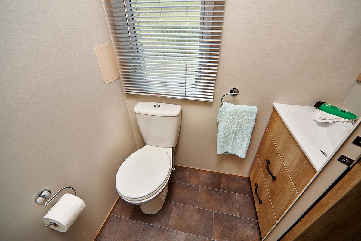 Rosedale Bathroom2