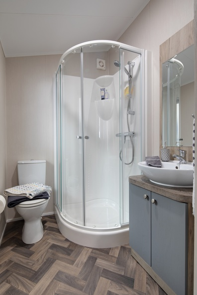 Willerby-Clearwater-Shower