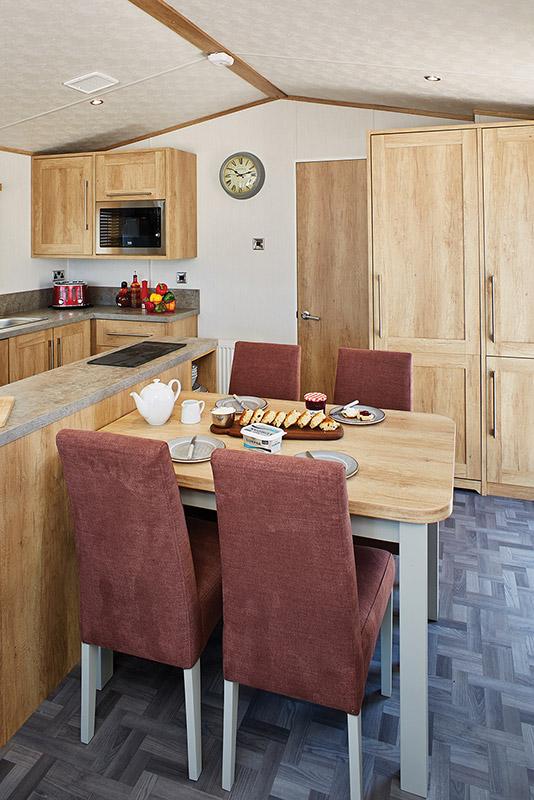 Glenmore Lodge Kitchen3