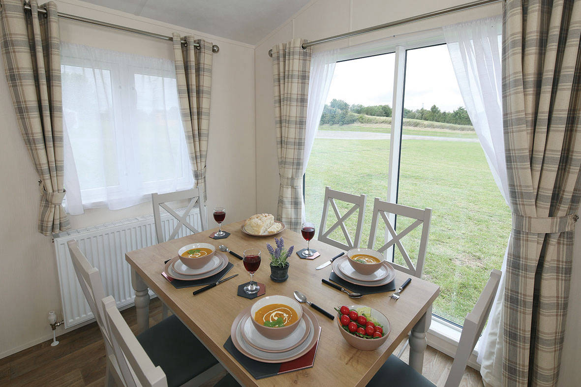 countryside-lodge-dining-2-1181x787