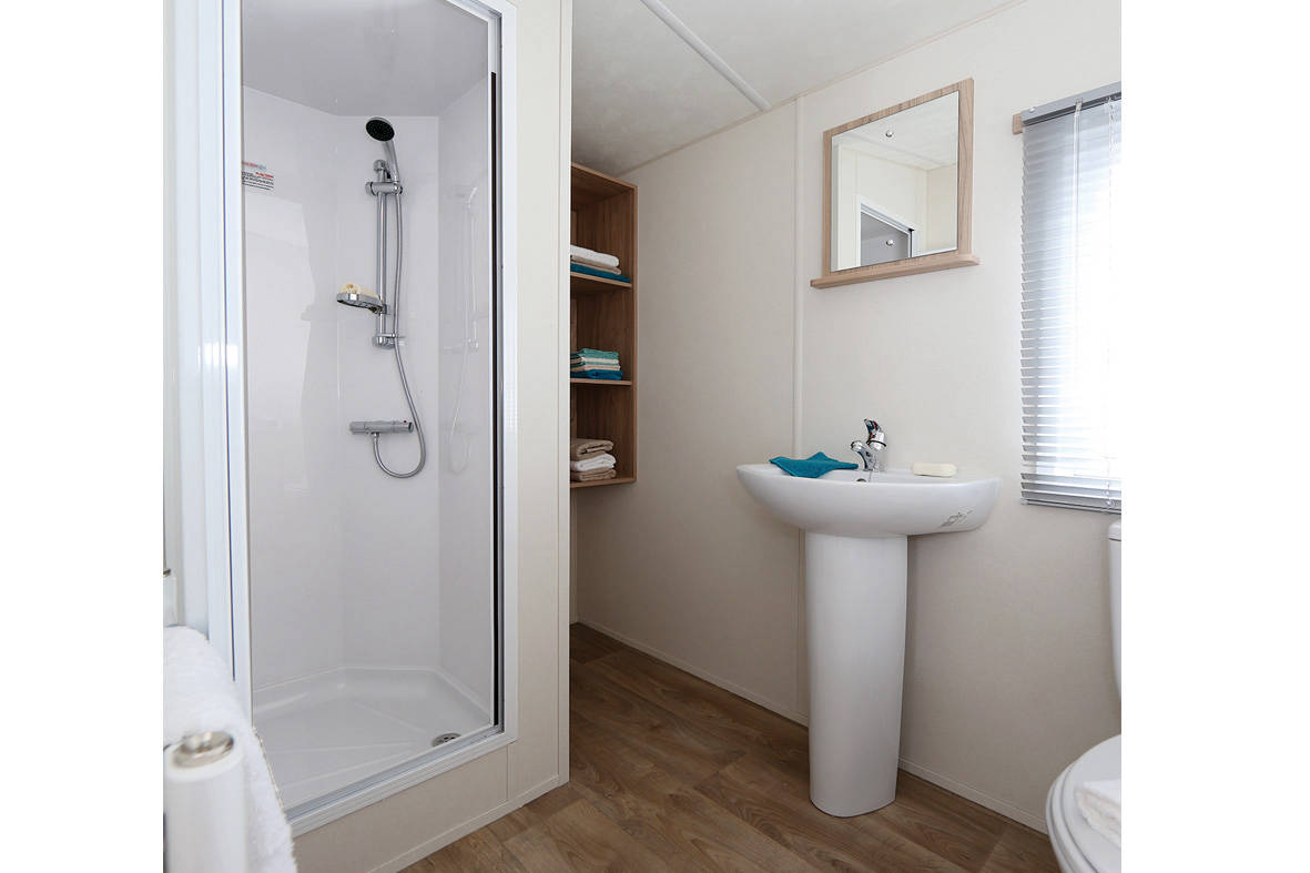resort-plus-caravan-shower-1181x787