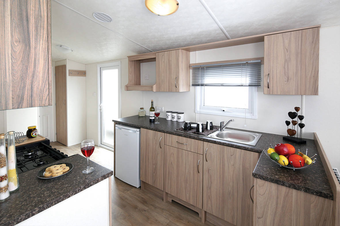 resort-plus-caravan-kitchen-1181x787