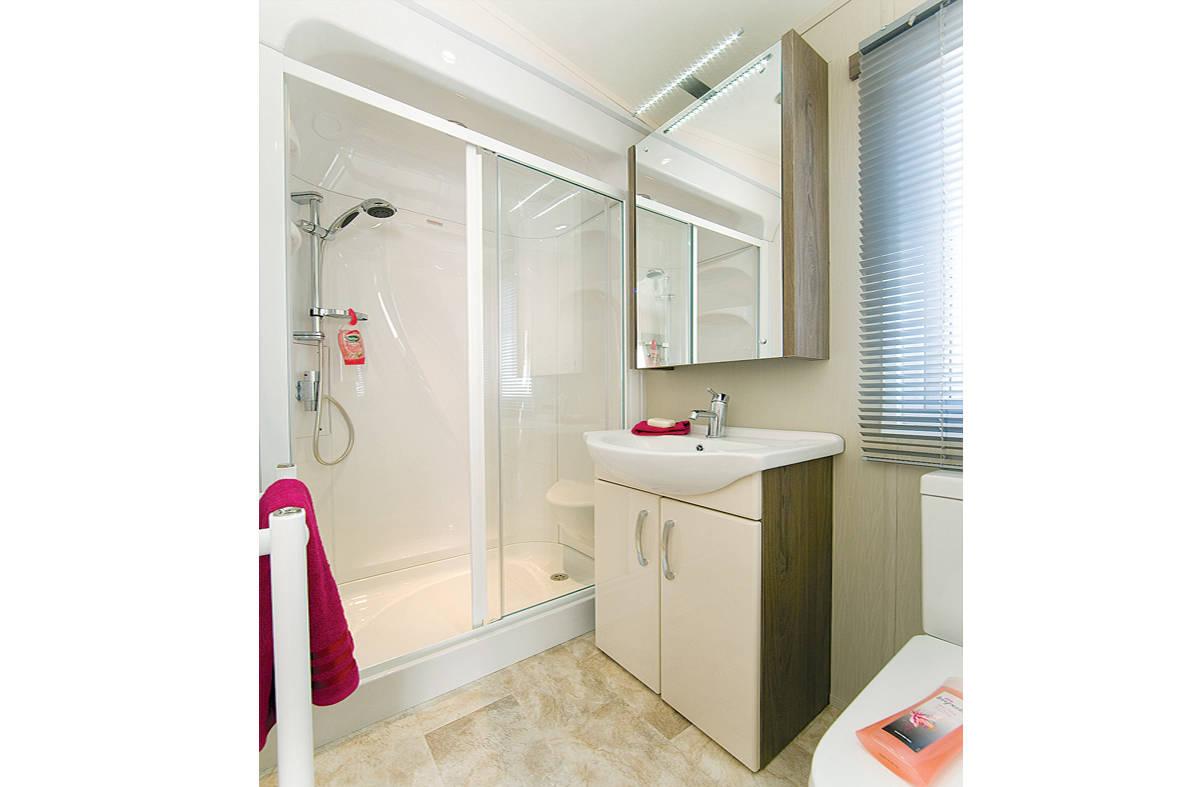 superior-shower-2-1181x787