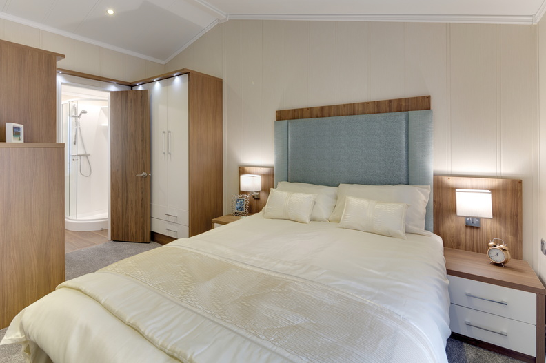 Willerby-New-Hampshire-Master-Bedroom