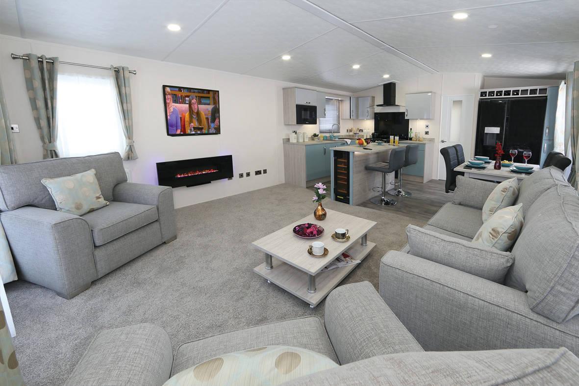 superior-deluxe-lounge3-1181x787