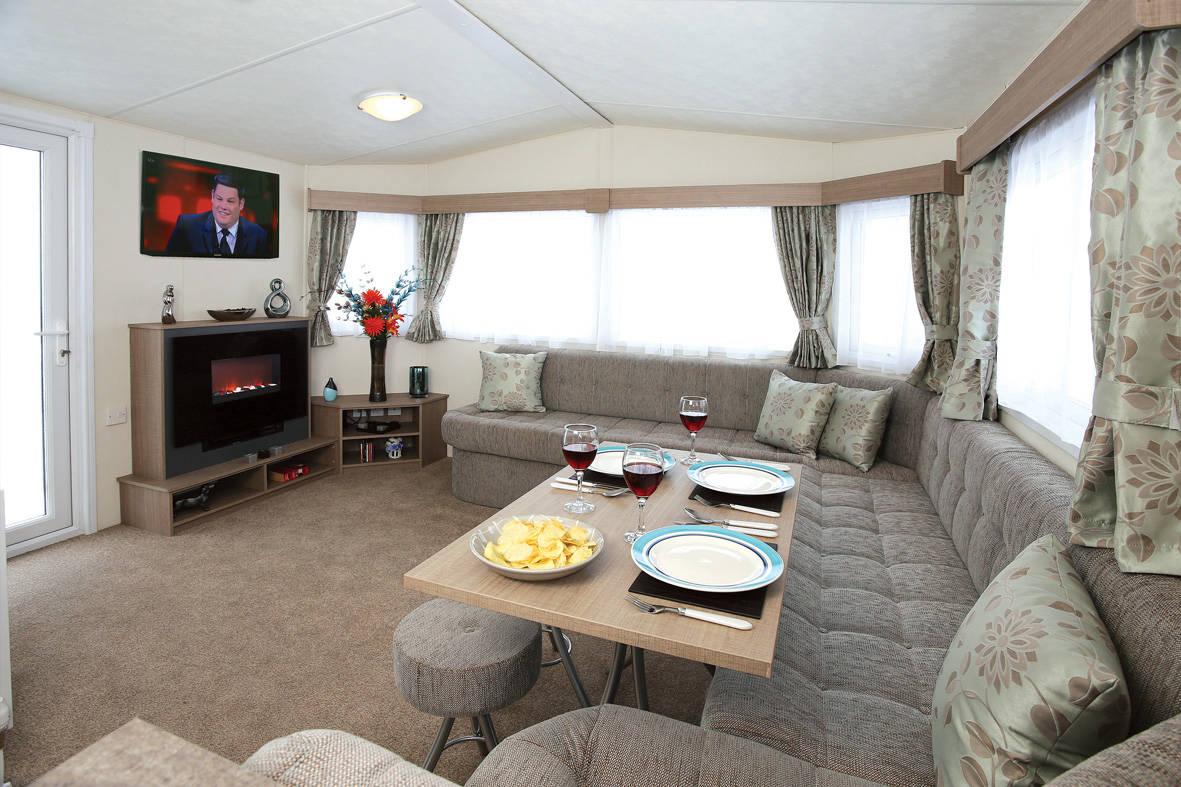 bromley-caravan-lounge2-1-1181x787