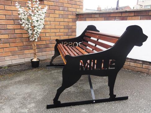 Rottweiler 'Mille' Bench