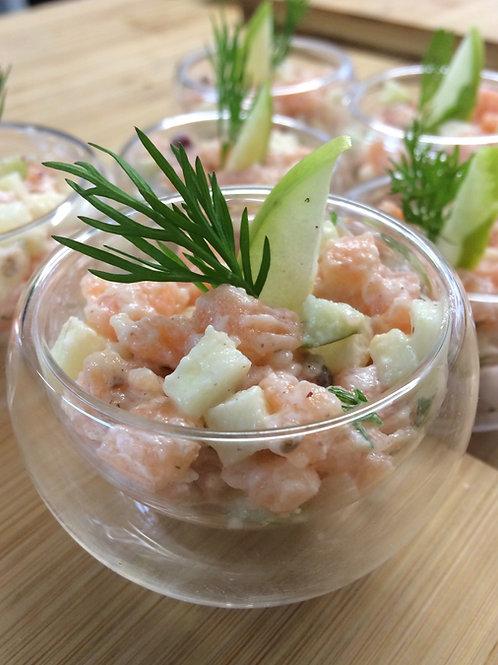 Verrine saumon et pommes vertes, sauce à la citronnelle et poivre rose- 5 pièces