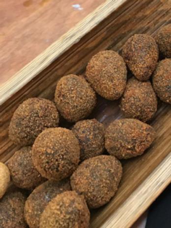 Bolinho de feijoada (haricots noirs, lardons fumés, carne seca) x12 pièces