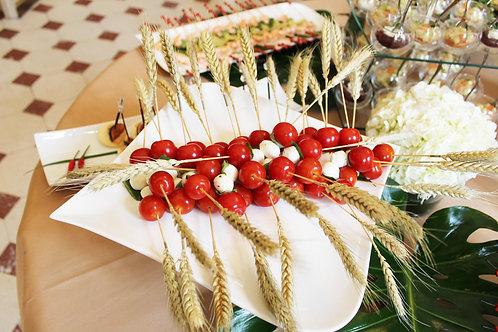 Mini brochettes  tomate cerise, mozzarella - 10 pièces cocktail