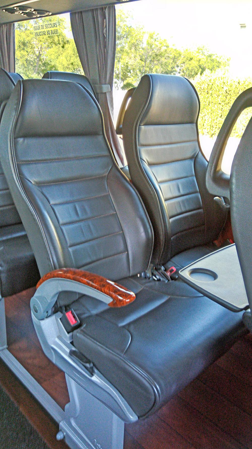 minibus-avec-chauffeur---autocars-vip--transfert-et-sejours-en-provence--gorges-du-verdon