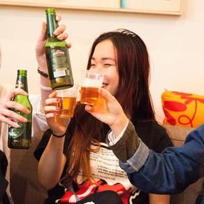 Trajetórias do uso de álcool de jovens adultos e sintomas internalizantes em função do gênero