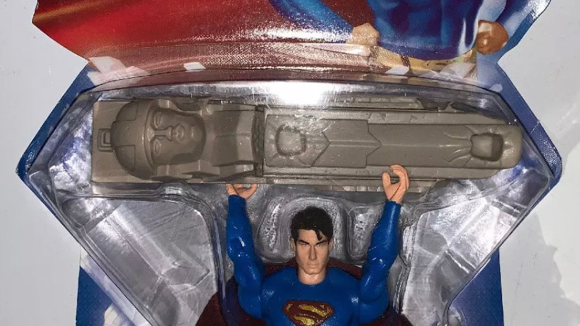 "SUPERMAN RETURNS WALL BUSTING ACTION FIGURE DC MATTEL NEW REBIRTH 52 5"" WB"