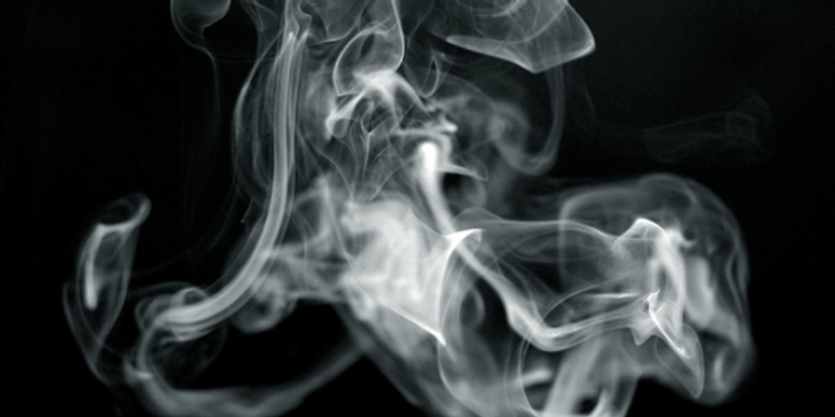 42_weed-smoke-5-700x350-640x320.png