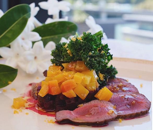 Duncan Venison, beetroot tartare, crispy kale, Waiheke No.29 olive oil