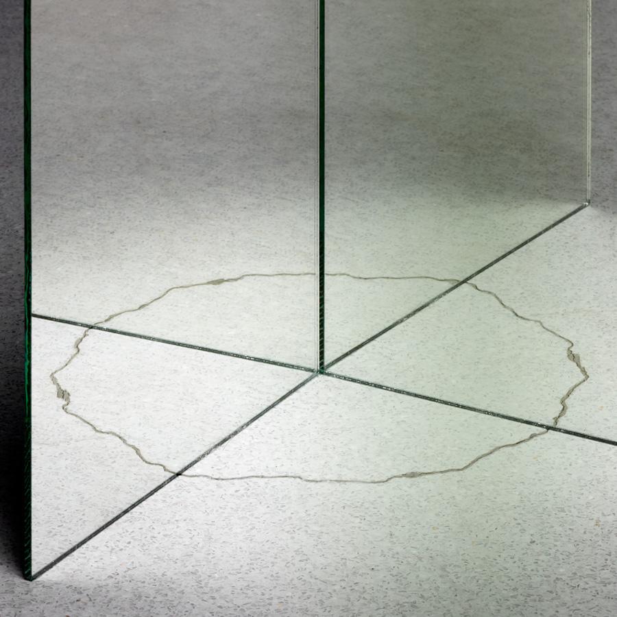 Mirror013