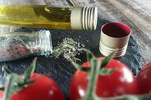 Meerettich-Dip mit Petersilie, Zwiebeln, Salz und Pfeffer