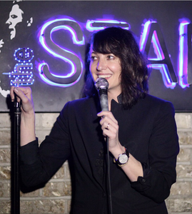 picture of Bonnie McFarlane, Canadian-American comic