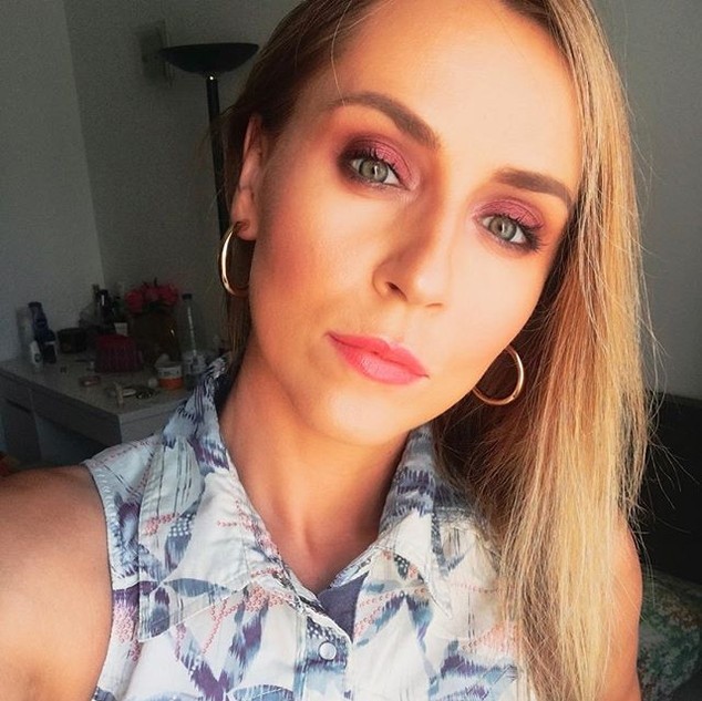 Hello Friday 💄👄💅🏻💃 #summer #makeup