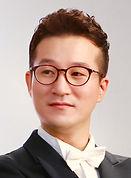 구로구립지휘자 김기용.jpg