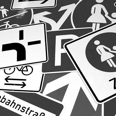 Schilder, Verkehrszeichen, Verkehrstechnik