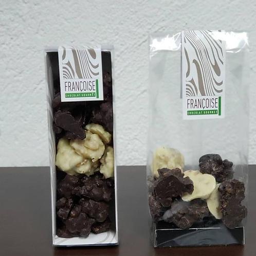 NUECES CUBIERTAS EN CHOCOLATE