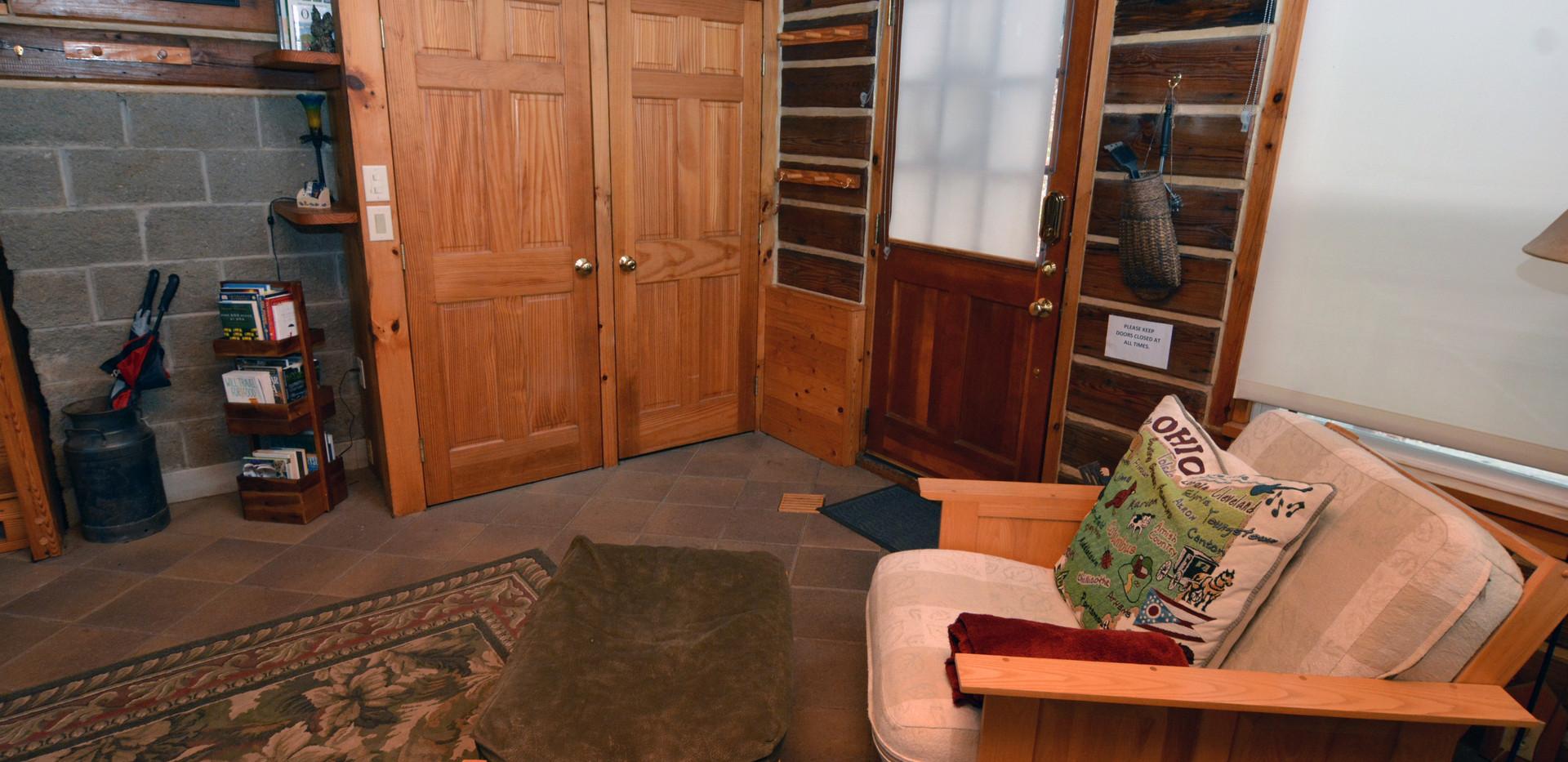 Livingroom facing Front Door.jpg