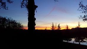 coucher de soleil sur le village.jpg