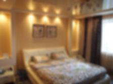 Поклейка обоев в спальне. Проводка освещения в Калининграде