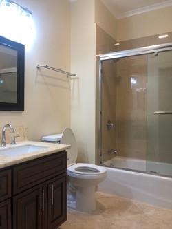 Bath #2 Full - 1