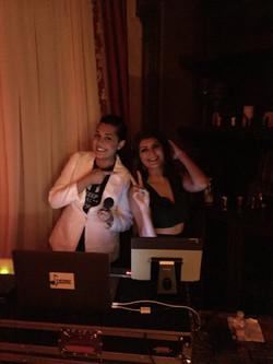 Chillen with her dj ;)